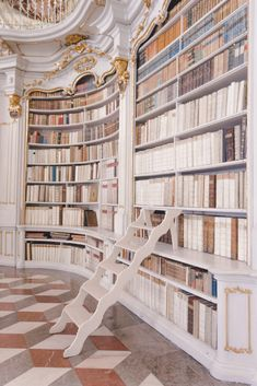 The Most Beautiful Library in the World - monalogue Beautiful Library, Dream Library, Future House, My House, Design Café, House Design, Design Desk, Bar Restaurant Design, Architecture Restaurant