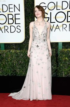 The Fug Girls take a close look at the red carpet. These are the best and worst dressed at the 2017 Golden Globes. Celebrity Wedding Dresses, Celebrity Weddings, Celebrity Style, Emma Stone Golden Globes 2017, Cute Dresses, Beautiful Dresses, Beautiful Women, Actress Emma Stone, Long Sequin Dress