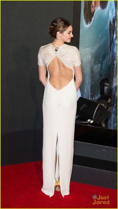 Shailene Woodley Bares Her Back at 'Insurgent' World Premiere