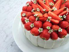 Sommartårta med jordgubbsmousse och citronkräm av Roy Fares