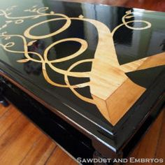✿ڿڰۣ Tutorial - Refinishing Furniture with a Wood Grain Stencil