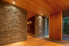 Stone and wood together Office Entrance, Entry Hallway, House Entrance, Wall Design, House Design, Zen Interiors, Tatami Room, Japan Interior, Dream House Exterior