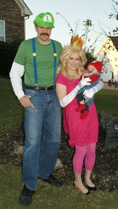Halloween Family Costumes - Mario, Luigi, & Princess Peach!