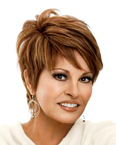 short to midlength haircuts for fine hair thats going grey Short Choppy Hair, Short Hair With Layers, Short Hair Cuts For Women, Haircuts For Fine Hair, Cute Hairstyles For Short Hair, Short Hair Styles, Short Haircuts, Casual Hairstyles, Layered Haircuts