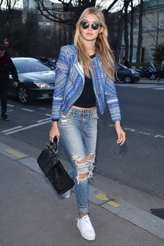 Gigi Hadid's ripped jeans. Bravo. I LOVE EVERYTHING! THIS IS PERFECT< AND VERY ME!