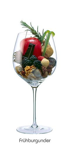 Brombeere, Himbeere, Getrocknete Feige, Mandel, Kokosnuss, Walnuss, Dattel, Roter Apfel, Grüne Paprika, Rosmarin, Sternanis, Bitterschokolade