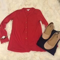 ❤️charming charlie button down blouse❤️ Super soft and versatile. Can be dressed up or down! Barely one. Charming Charlie Tops Button Down Shirts
