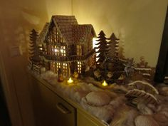 Tunnelmallinen piparkakkutalo Gingerbread Houses, Home Recipes, Christmas, Home Decor, Yule, Navidad, Decoration Home, Xmas, Christmas Music