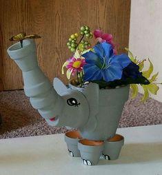 Elephant, clay pot art, clay pot, crafts - make in red for Bama Flower Pot Art, Clay Flower Pots, Flower Pot Crafts, Clay Pot Projects, Clay Pot Crafts, Diy Clay, Shell Crafts, Diy Projects, Flower Pot People