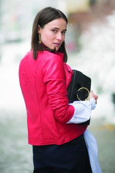Lena Lademann luce un outfit de Desigual ienlas calles de Manhattan - New York City. Foto:Timur Emek
