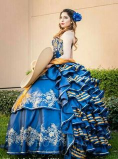 Quinceanera dress - The greatest component of the quinceanera for a girl turning 15 is the dress! The most perfect quinceanera gown makes the birthday girl feel like princess. Poofy Prom Dresses, Prom Dresses With Sleeves, Pageant Dresses, 15 Dresses, Ball Dresses, Ball Gowns, Mariachi Quinceanera Dress, Mexican Quinceanera Dresses, Mexican Dresses