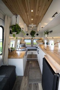 Camper Van Pictures That Will Inspire You To Create Your Own Tiny Home - Hou. - Camper Van Pictures That Will Inspire You To Create Your Own Tiny Home – House Topics – Ein - Van Conversion Interior, Camper Van Conversion Diy, Sprinter Van Conversion, Van Living, Tiny House Living, Living Area, Camper Life, Mini Camper, Bus Life