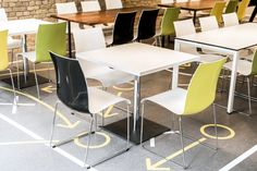 Fina Plastic Chairs from Davis Furniture in the Onefootball Berlin Headquarters Davis Furniture, Library Furniture, Office Furniture Design, Office Interior Design, Visual Merchandising, Berlin, Corporate Office Design, Lunch Room, Lounge Areas