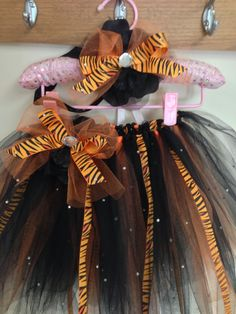 tiger tutu i made for miss bella! Ghost Halloween Costume, Ghost Costumes, Halloween Kostüm, Halloween Projects, Holidays Halloween, Diy Costumes, Costume Ideas, Girls Tiger Costume, Diy Tiger Costume