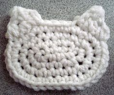 A solid hello kitty applique tutorial video like the ones you see in the granny squares and like OMG! get some yourself some pawtastic adorable cat apparel! Kawaii Crochet, Cute Crochet, Crochet For Kids, Crochet Crafts, Crochet Baby, Crochet Projects, Crocheted Owls, Crochet Applique Patterns Free, Cat Applique