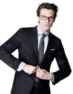 Michael Gandolfi Gorgeous Men, Beautiful People, Male Models, Top Models, Glasses For Your Face Shape, Mens Glasses, Face Shapes, Tuxedo, Fall Winter