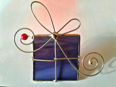 Items similar to Set of 2 Stained Glass Christmas Ornaments or Suncatchers on Etsy Stained Glass Ornaments, Stained Glass Christmas, Stained Glass Flowers, Stained Glass Designs, Stained Glass Projects, Stained Glass Patterns, Stained Glass Art, Glass Christmas Ornaments, Christmas Art