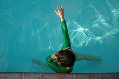 8 ejercicios en el agua para la corrección postural