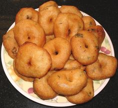 ulundu vadai recipe in tamil,ulundu vadai samyal kurippu,vadai seivathu eppide,ulundu vadai tamilnaadu