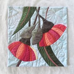 Piecing a Botanical Quilt: a quiltmaking workshop — Ruth de Vos: Art Fabric Art, Fabric Crafts, Textile Fiber Art, Textile Artists, Drawing Projects, Small Quilts, Baby Quilts, Quilt Blocks, Quilt Patterns