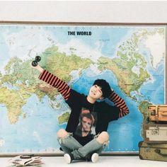 Meu mundo se chama Min Yoongi e mora no lugar à que denominamos Terra