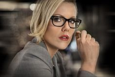Still of Kathleen Robertson in Boss--again, glasses