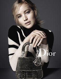 God Save the Queen and all: Dior presenta su nueva campaña de accesorios prota... #dior #accessories #campaign #jenniferlawrence