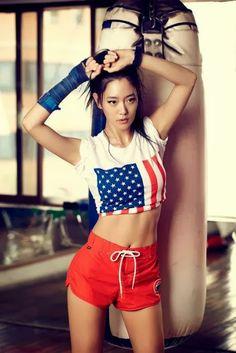 Clara Lee 클라라 리 (Lee SungMin 이성민)