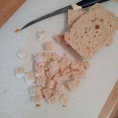 Domates çorbası nasıl yapılır Feta, Salsa, Grains, Dairy, Cheese, Salsa Music, Seeds, Korn