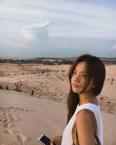 Korean Girl, Asian Girl, Korean Style, Au Ideas, Most Beautiful Faces, Couple Aesthetic, Girl Photography Poses, Ulzzang Girl, Tumblr