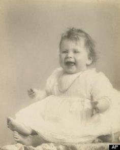 Queen Elizabeth Baby PHOTOS Released