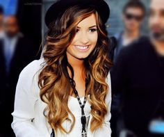 ♥ her hair! Don't usually like ombre, but this looks really good on her