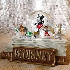 Walt-RARE-Disney-MICKEY-S-ANIMATION-WORK-Musical-Rotation-Multiple-Snowglobe