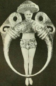 Castaround Vintage  1920s ballet Midnight Sun