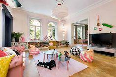 ¿Os imagináis a vuestros peques decorando la casa? Esto es lo que ha ocurrido en esta casa y nos encanta.
