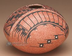 Collectors choice, this is a premium piece of Mata Ortiz pottery, highly collectible and a beautiful example of the work of the Mata Ortiz artists.Featuring a thin wall of natural earthen pottery, thi
