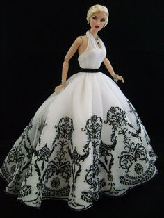 Like the barbie but not the dress
