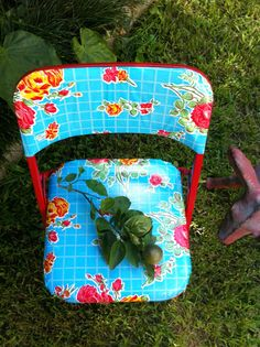 Revamped Mexi-Style Foldable Chairs Mexican Oil Cloth