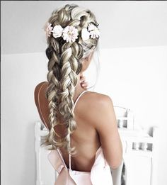 Trend Hairstylel 100 Ridiculously Awesome Braided Hairstyles To Inspire You,Braids are a sensible and delightful addition to any coiffure. They provide texture, assist and elegance and may be achieved in a wide range of method. Pretty Hairstyles, Braided Hairstyles, Wedding Hairstyles, Good Hair Day, Hair Dos, Gorgeous Hair, Hair Hacks, Her Hair, Hair Inspiration