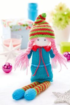 Free Christmas elf knitting pattern by Amanda Berry