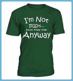 New St Paddys Day Tee Shirt - St patricks day shirts (*Partner-Link) St Paddys Day, St Patricks Day, Beste Mama, St Patrick Day Shirts, Unisex, Tee Shirts, Tees, Kiss Me, Irish