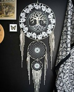 Willow Tree of Life Dream Catcher by Aurvgon on Etsy Dream Catchers For Sale, Beautiful Dream Catchers, Dream Catcher Art, Dream Catcher Tattoo, Lace Dream Catchers, Sauce Arbol, Dream Catcher Native American, Deco Boheme, Arts And Crafts