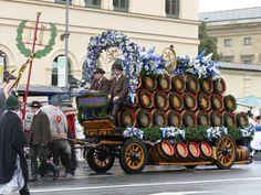 Oktoberfest 2016: Der traditionelle Trachtenumzug am ersten Wiesn-Sonntag | münchen.tv