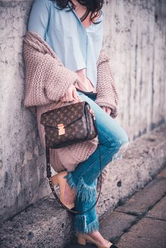 Outfit Louis Vuitton Pochette Metis Chanel Lookalike shoes stylejunction
