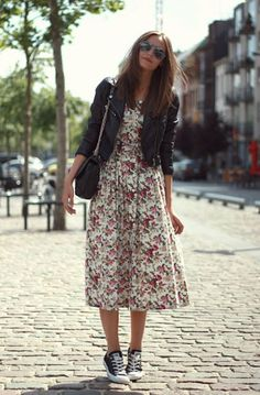 Street style | Floral dress, leather jacket and Converse