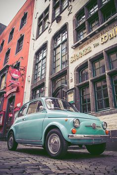 Fiat 500 in Köln (Germania) Durch flowizm - - Welcome Haar Design Retro Cars, Vintage Cars, Fiat 500 Car, Italy Pictures, Maybe Tomorrow, Chasing Cars, Bad Picture, Cute Cars, Native Art