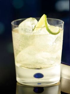 20 Delish Tequila Drinks to Try on Cinco de Mayo - Blue Moon (tequila, moscato, lime)