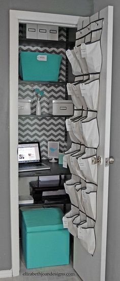 Great Ideas -- 24 Spring Home DIY Projects! Closet office for small space Closet Office, Closet Bedroom, Hall Closet, Diy Bedroom, Bedroom Ideas, Trendy Bedroom, Bedroom Storage, Warm Bedroom, Bathroom Closet