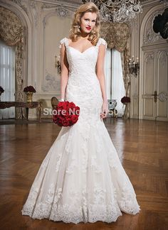 Cap 2015 New Arrival Fold Wedding Dresses Rhinestone Applique Pearls Tulle Luxurious Lace sheer Beaded Long pleats Bridal Gowns