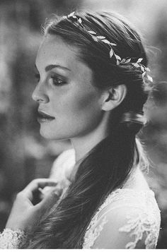 Fotografie: Marie Bleyer Fotografie Make up & Haare: Marion Pail Brautkleid: elfenkleid Hair Vine, Vines, Make Up, Pearls, Bridal, Wedding, Beautiful, Style, Fashion